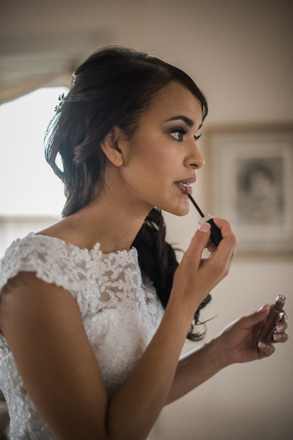 bride getting ready at ceresville mansion photo