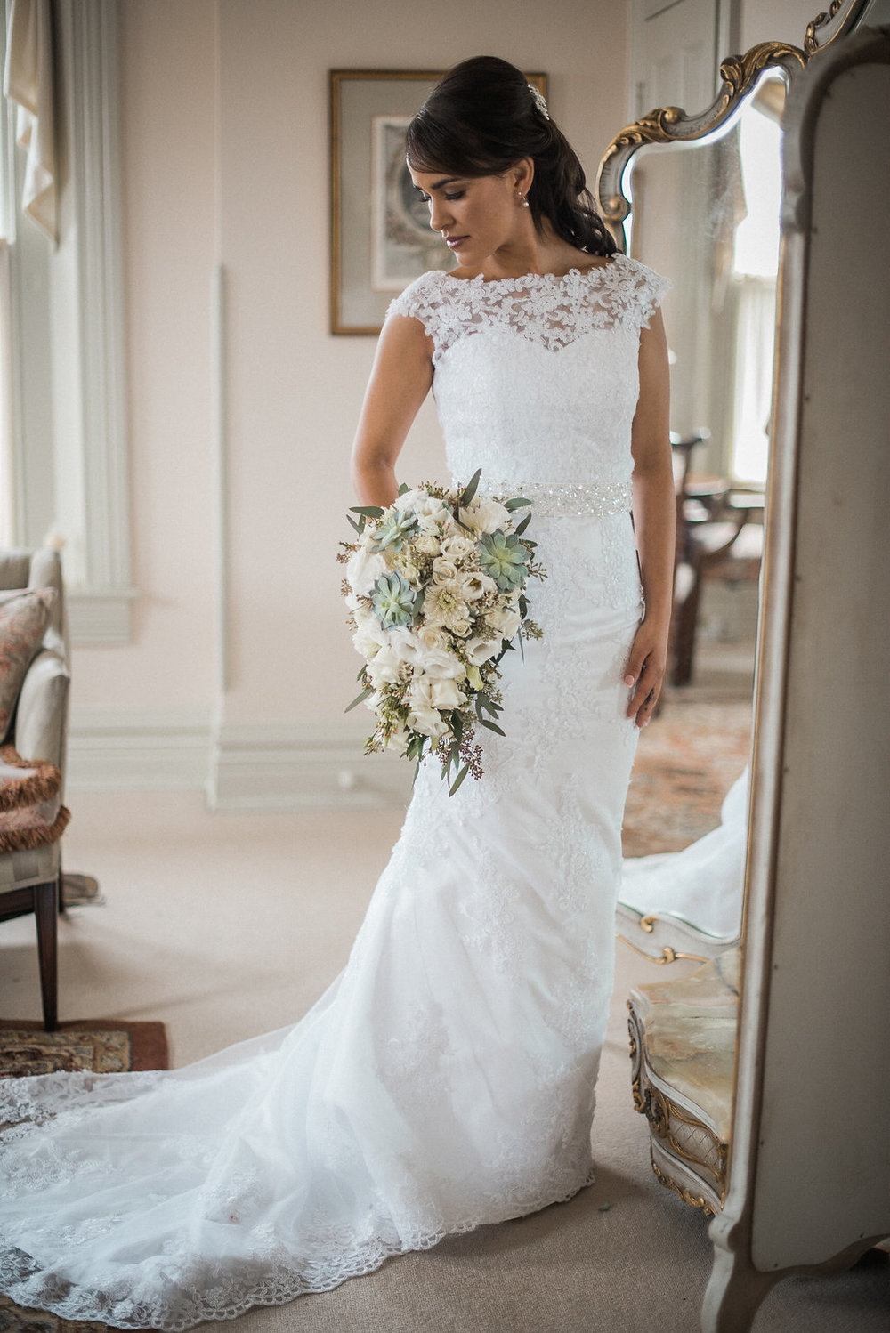 bridal portrait at ceresville mansion photo