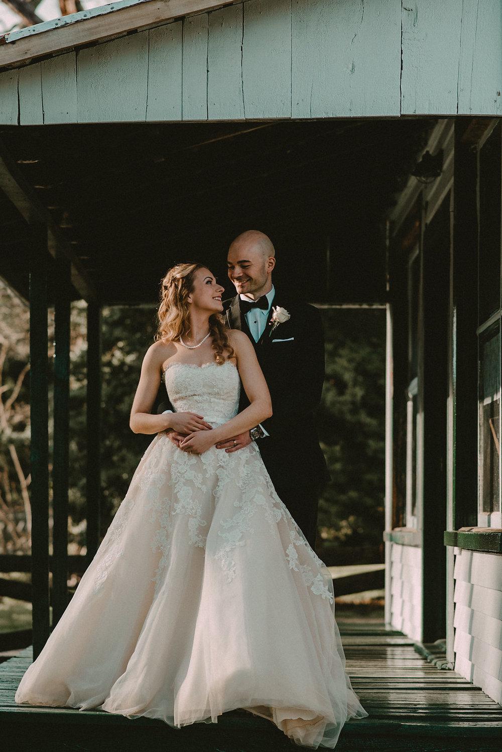 bride and groom at Glasgow farm photo
