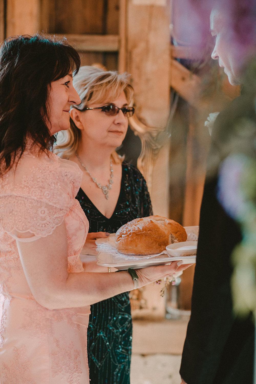 polish bread and salt wedding tradition photo