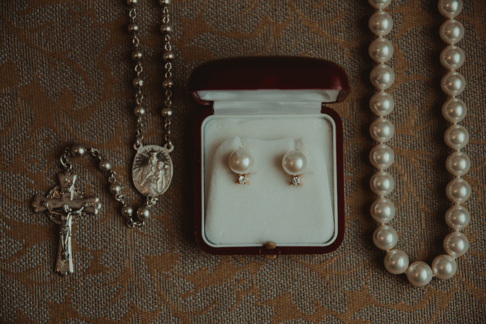 Bride's jewelry and pearls