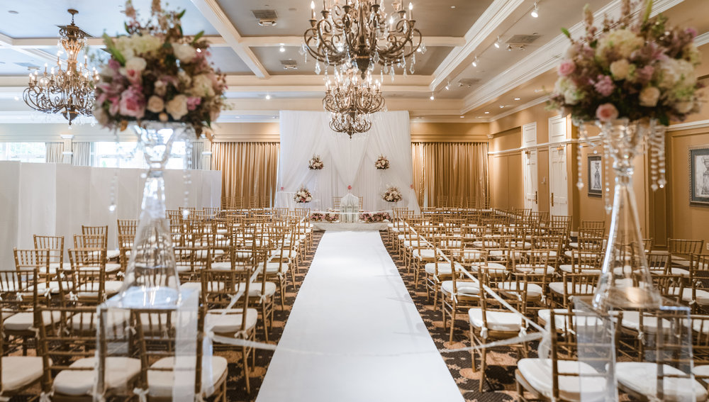 Gold and white ceremony space
