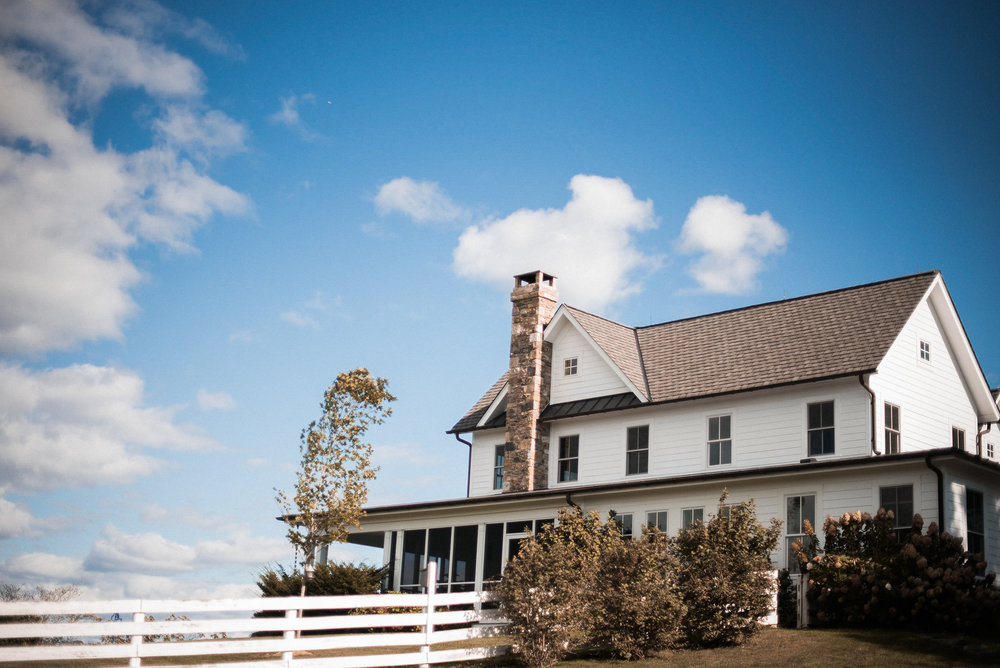 Best Loudoun County Wedding Venues Blue Hill Farm Photo