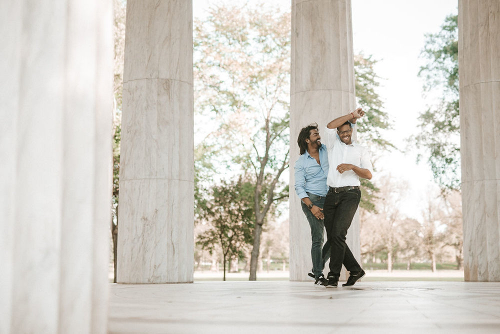 couple dancing during an engagement session at the National Portrait Gallery