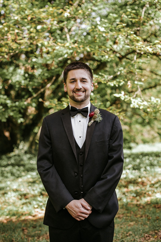 portrait of groom at Historic Rosemont Manor