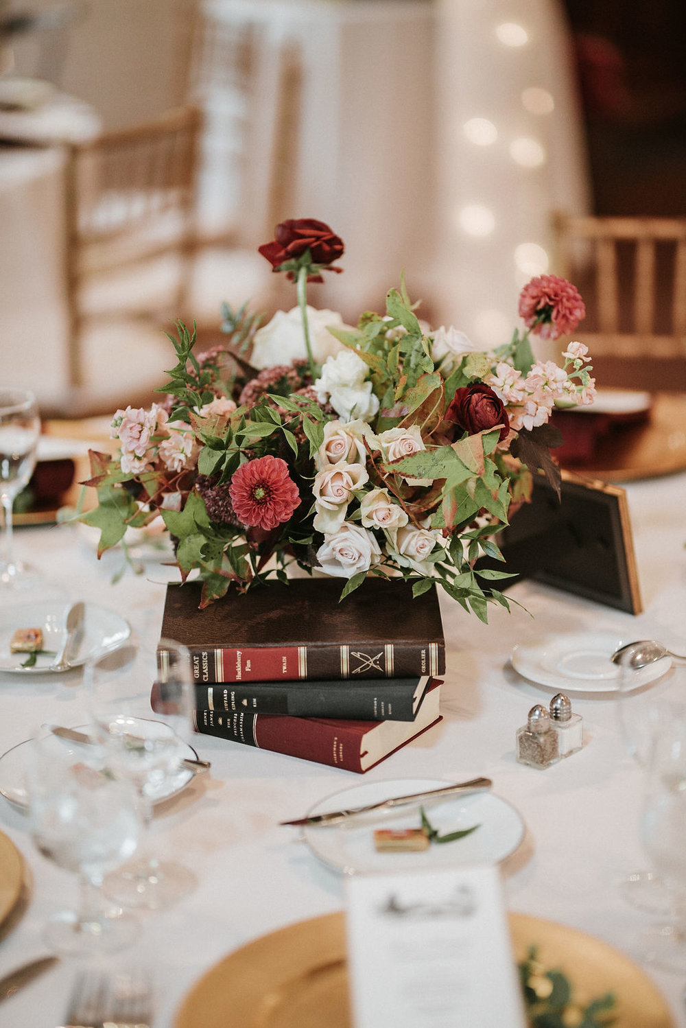 reception detail shot of flowers at Historic Rosemont Manor