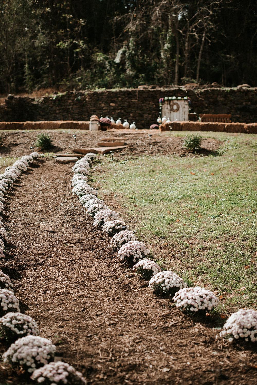 detail shot of ceremony site at kimble farm