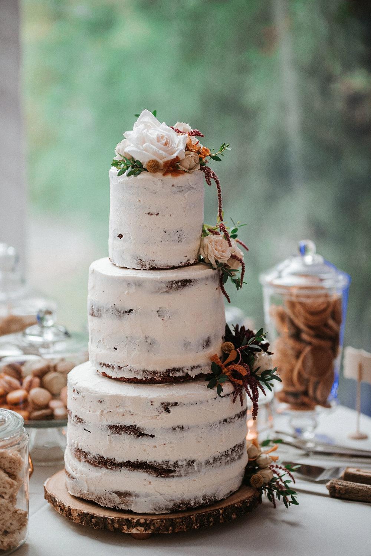 detail shot of cake at Braehead Manor
