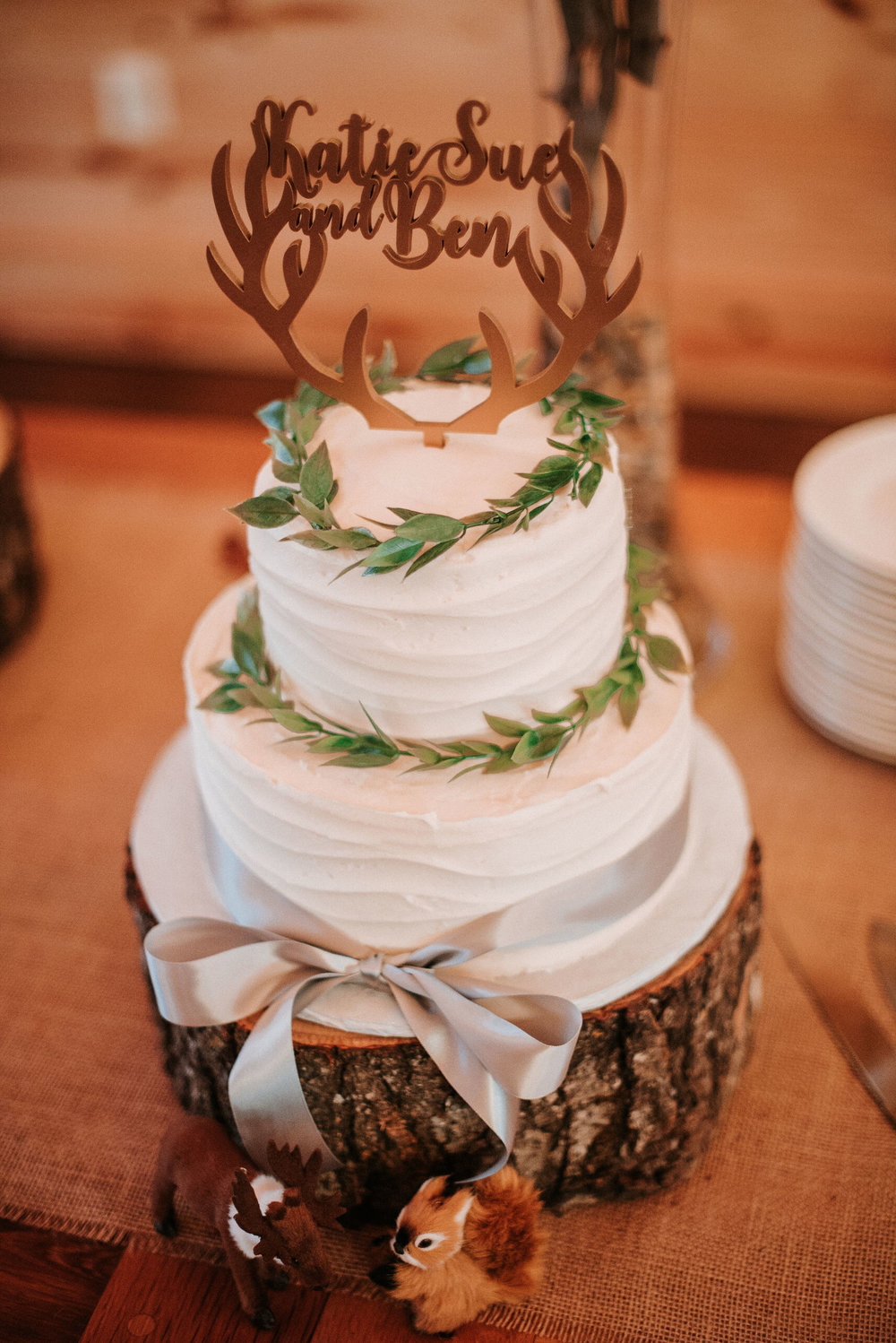 detail shot of wedding cake at The Middleburg Barn at Fox Chase Farm