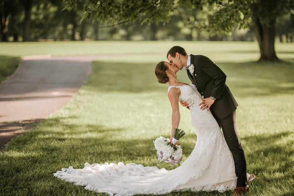 Bride & Groom kissing at Woodlands at Algonkian