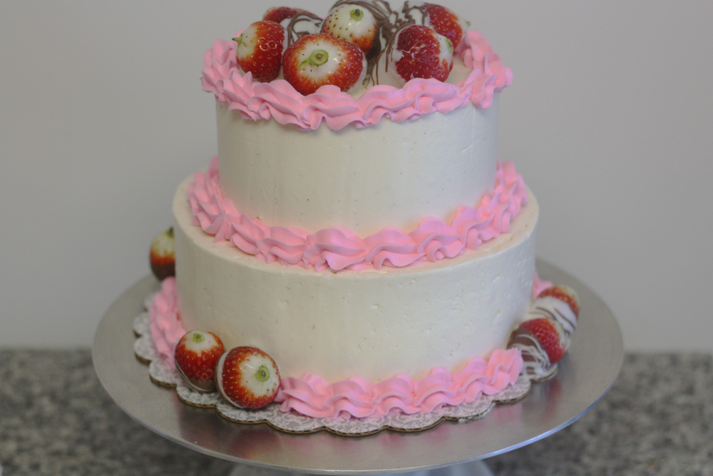 Strawberry cake 1 (2).jpg