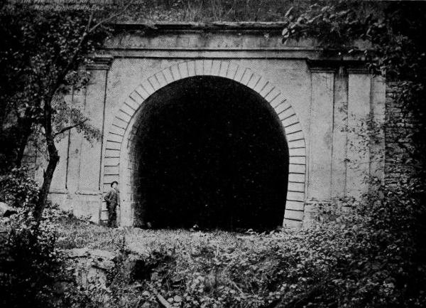 Tunnel_Exterior-Old02.jpg