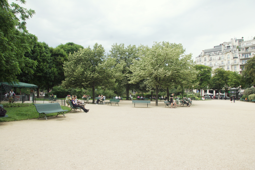 My sister Elisabeth told me that everyone hangs out in the parks in Paris, and she was right! They are the gardens for the people.
