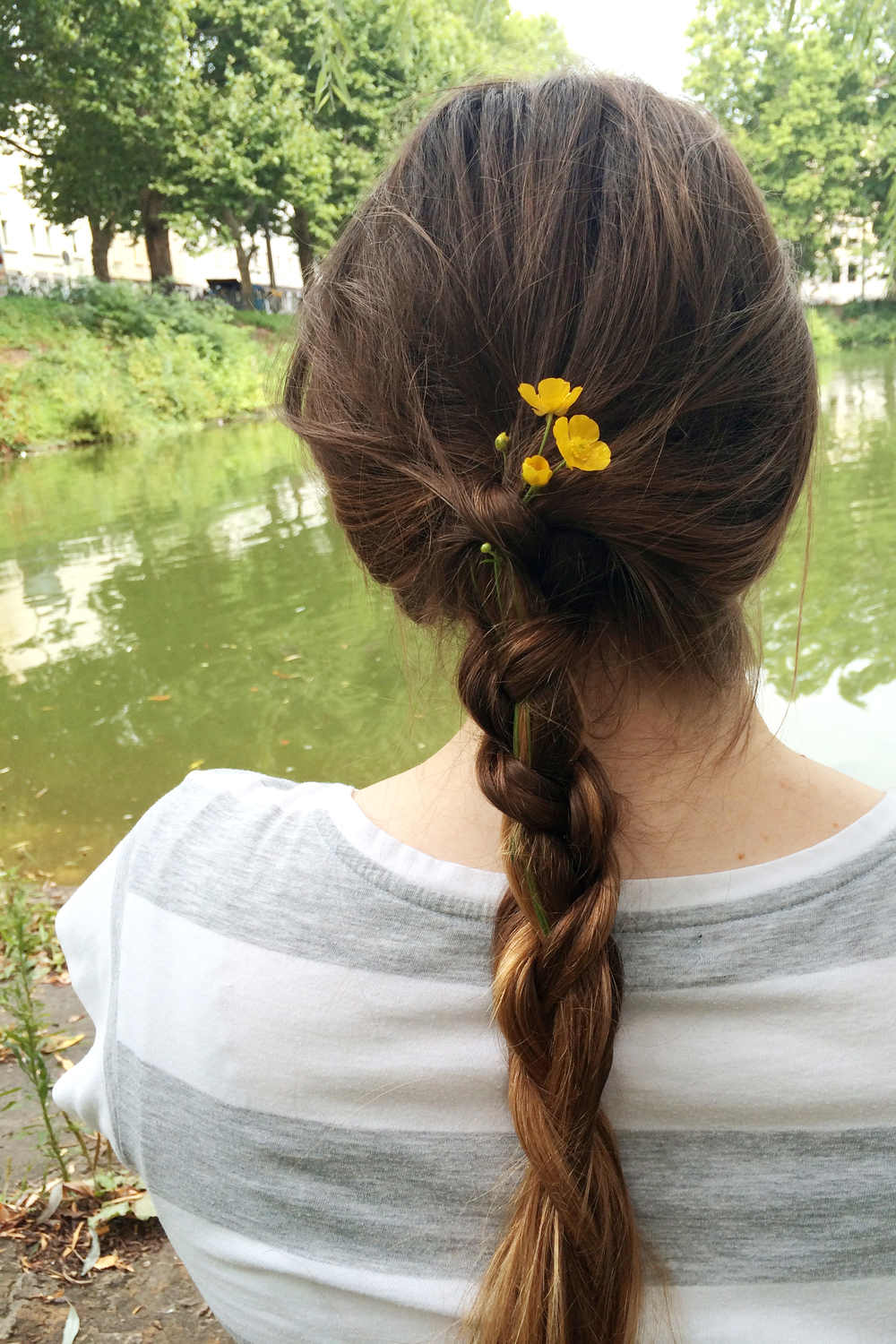 I also got my hair braided with flowers :)