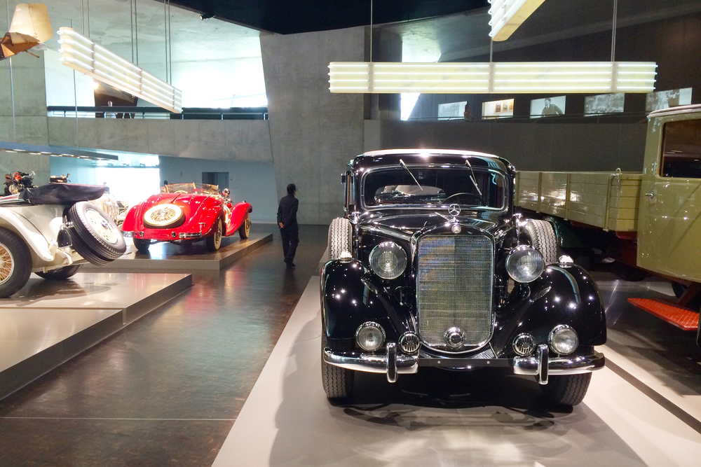 In addition to the ramp, there are cool galleries off the sides with different car collections.