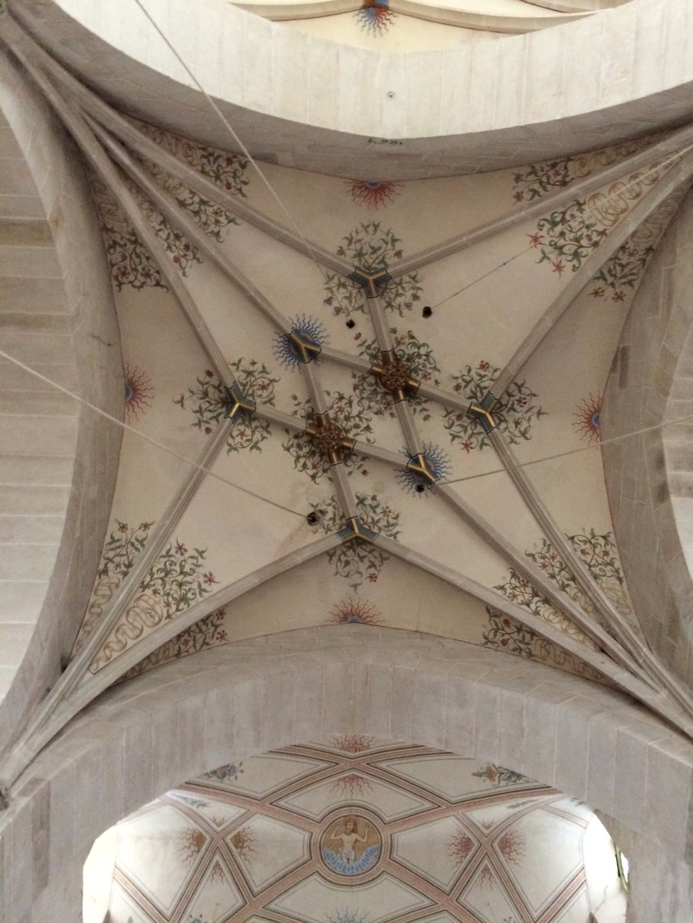 There were ceiling paintings all over the abbey.