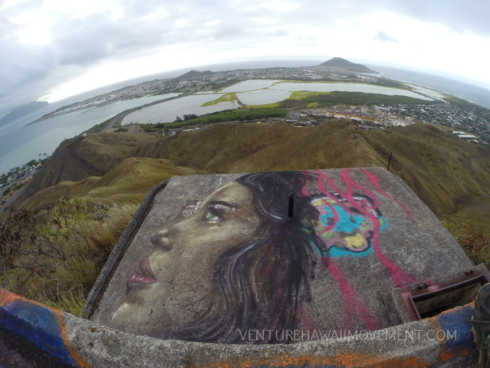 Aikahi pillbox, - Aikahi pillbox, one with a very beautiful mural overlooking Kane'ohe Bay.