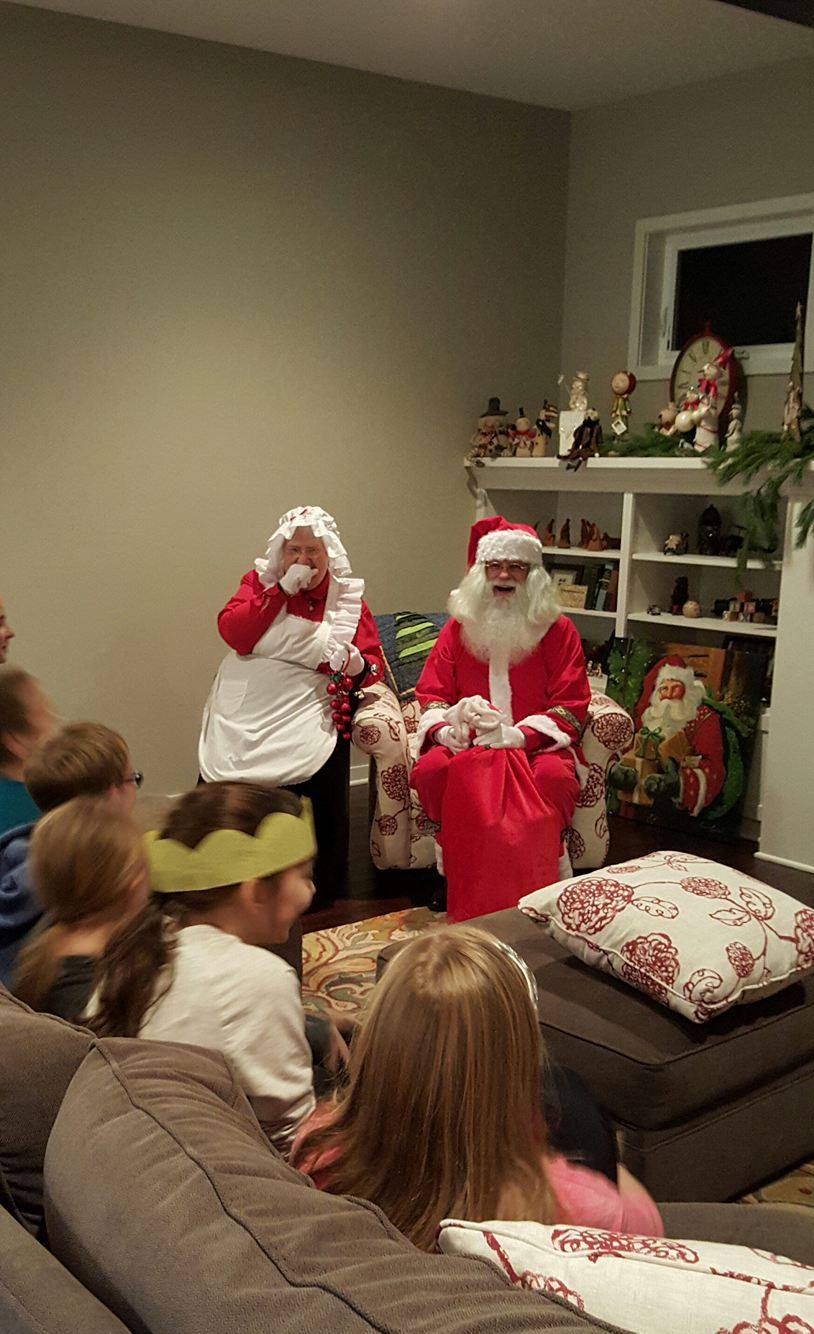 Santa & Mrs. Claus are about to hand out gifts to good children!