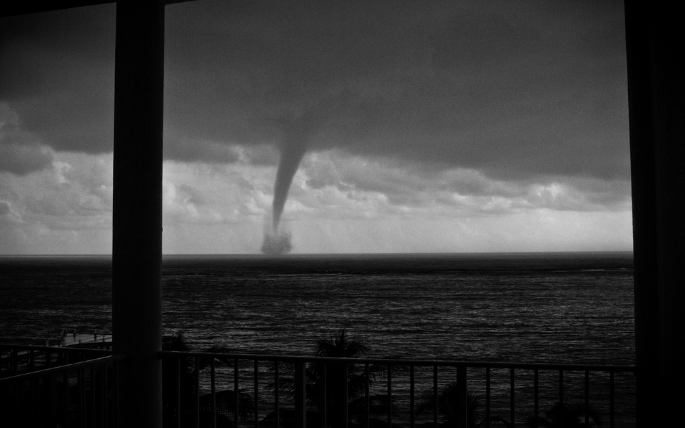 waterspout 3 b&w.jpg
