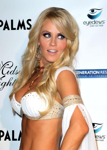 Here is Jenny McCarthy, one of my all-time favorite MILFS.