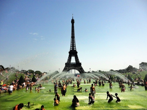 the heatwave hits paris