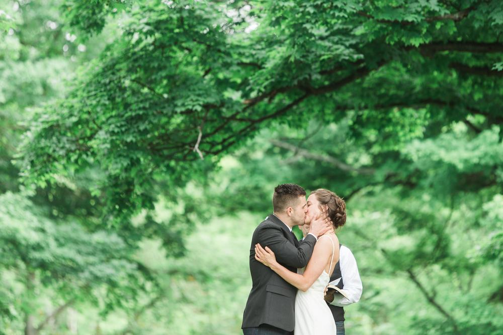 outdoor-cincinnati-wedding-photographer.jpg