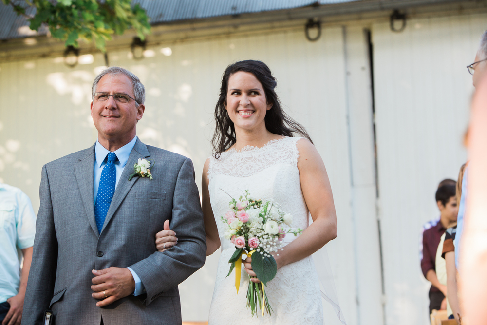 backyard-ohio-wedding-photographer.jpg