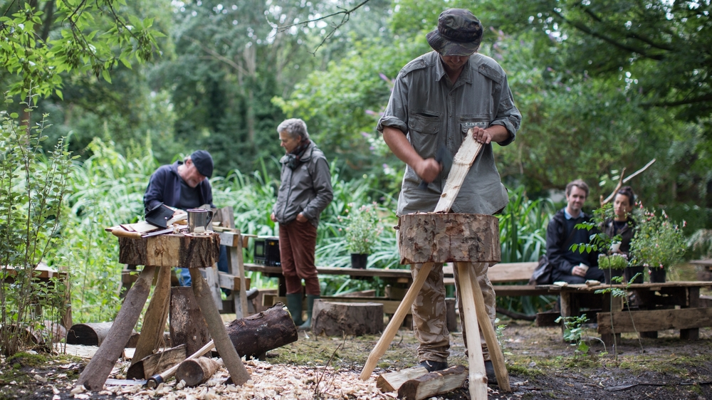 GREEN WOODWORKING - Families and children Join Grounded Eco Therapy in a workshop using wood from the cemetery park to make useful everyday items such as a spatula or butter knife. Learn traditional techniques and how to use tools for wood carvings. Grounded Den 10:00 - 18:00