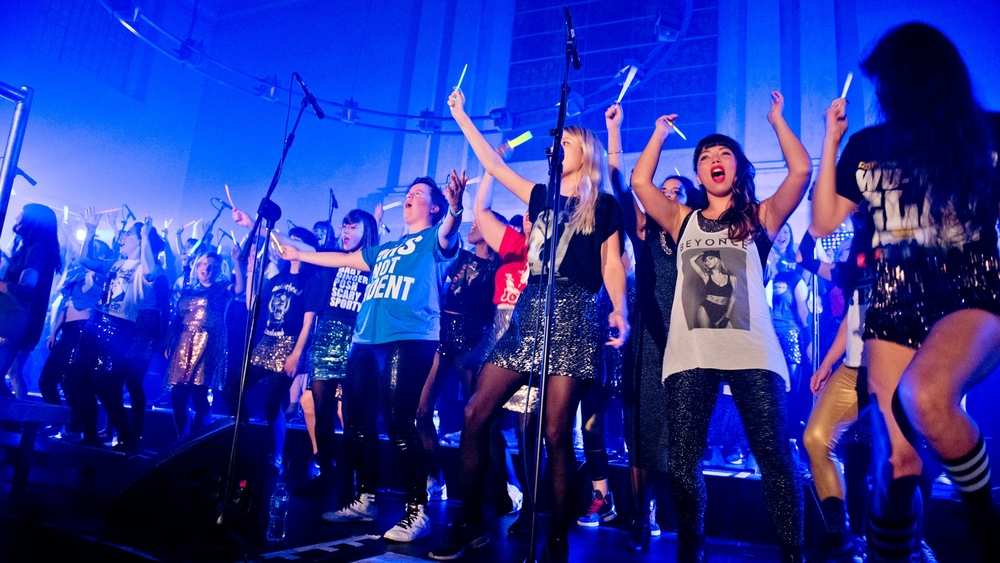 LIPS CHOIR 70 piece all female choir performs songs that praise the gods and goddesses roaming the earth as mere mortals. Horse Chestnut Glade 19:00 - 20:00