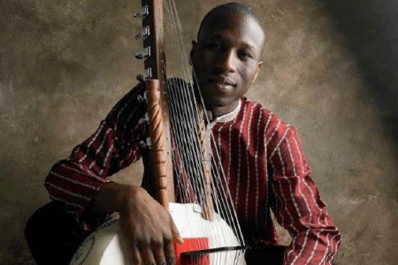 KK SOUND ARCHIVE  Born into the great line of Kouyate Griots in southern Senegal, Kadialy plays original songs inspired by his traditional repertoire in duo with multi-instrumentalist Fred Thomas, whose broad output ranges from Bach to jazz and contemporary classical compositions.  6.15Pm | THE MUSIC PAVILION