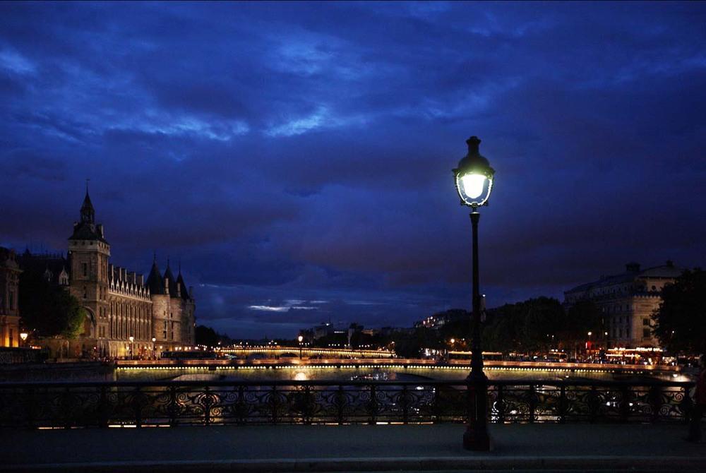 La-Paris-de-Amelie-Nothomb-007-enzo-dal-verme copia.jpg