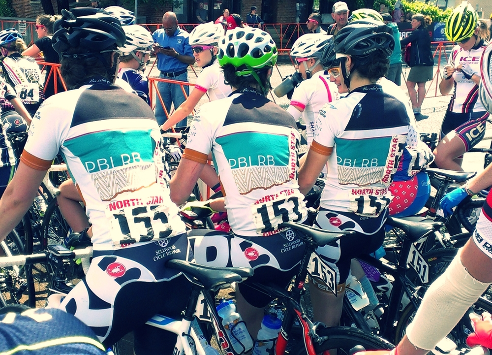 PBLRB ladies lined up for the racing!