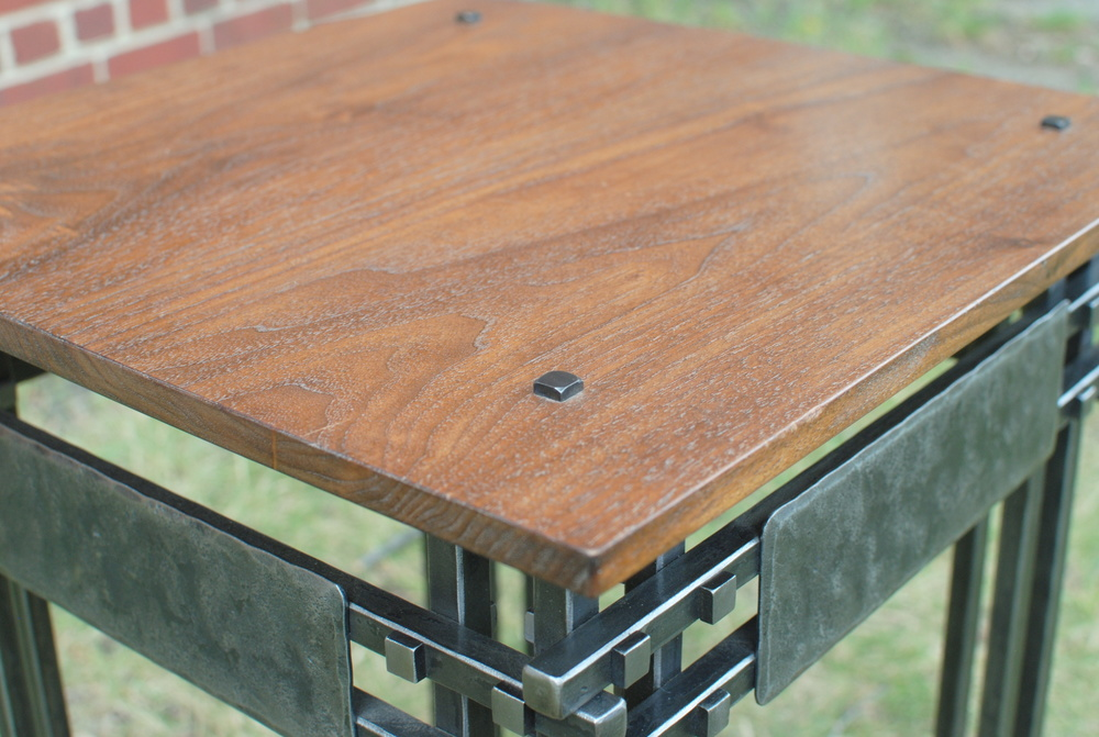 End table detail
