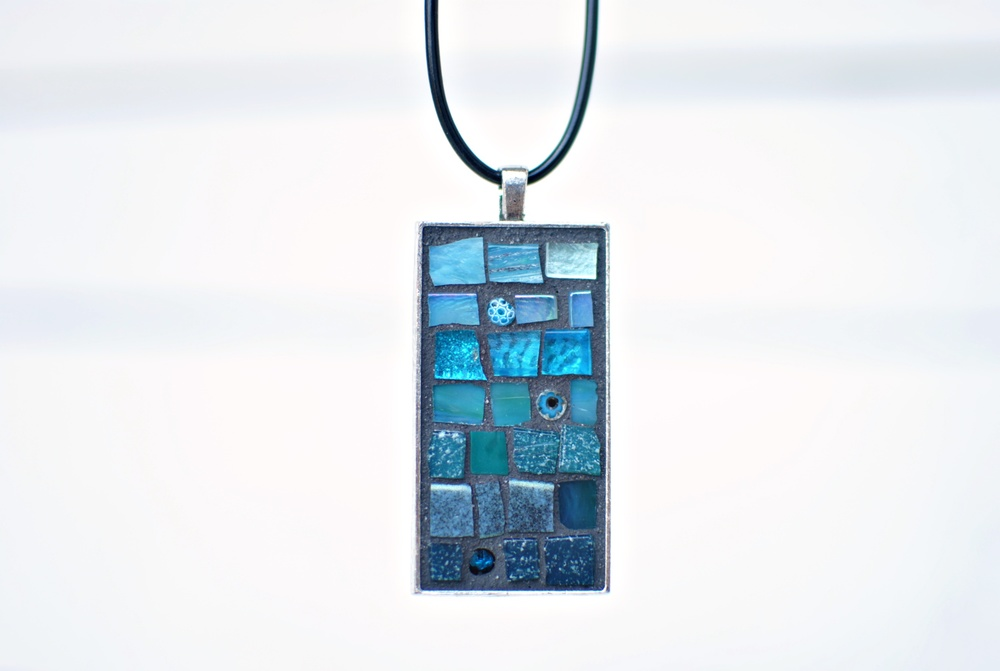 Blue-mosaic-pendant-PH2014.jpg