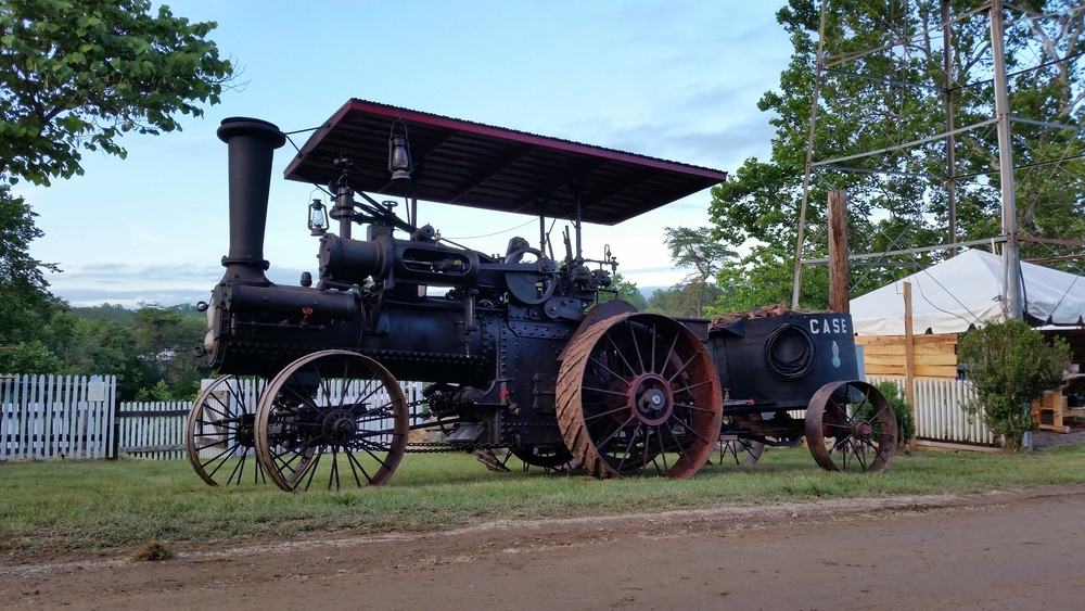 1903-Case-steam-tractor.jpg