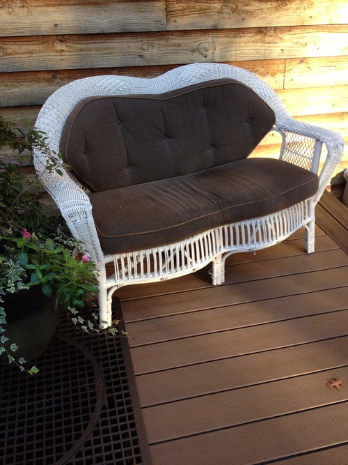 White Wicker Loveseat Vintage Heart