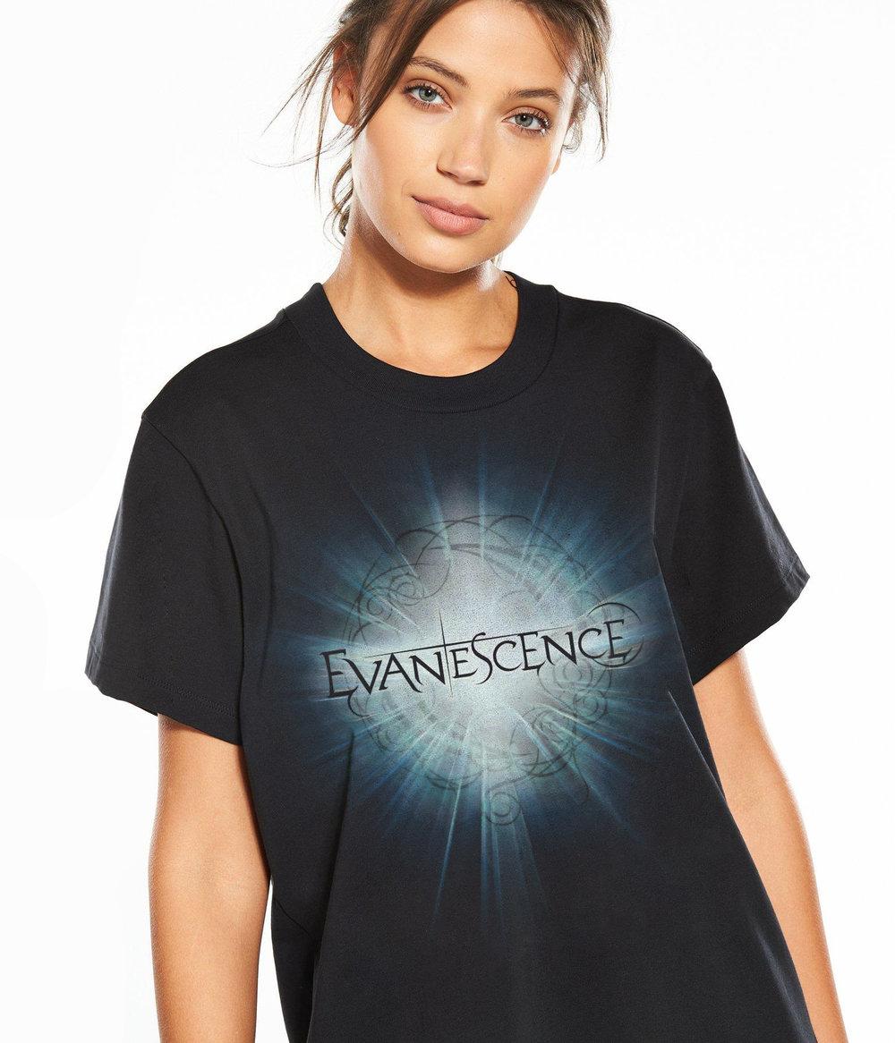 evanescence-shine-model.jpg