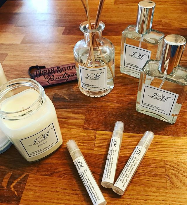 Candles and smells goods... #linenspray #oildiffuser #islandmemories In store now..