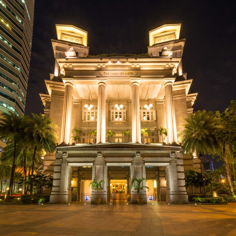 Singapore's heritage building - Located near Singapore's business district and Marina Bay, the Fullerton Hotel is a grand building originally built in 1928 as Singapore's postal office. It is now one of the most luxurious hotels in Singapore boasting its beautiful heritage and amazing service.