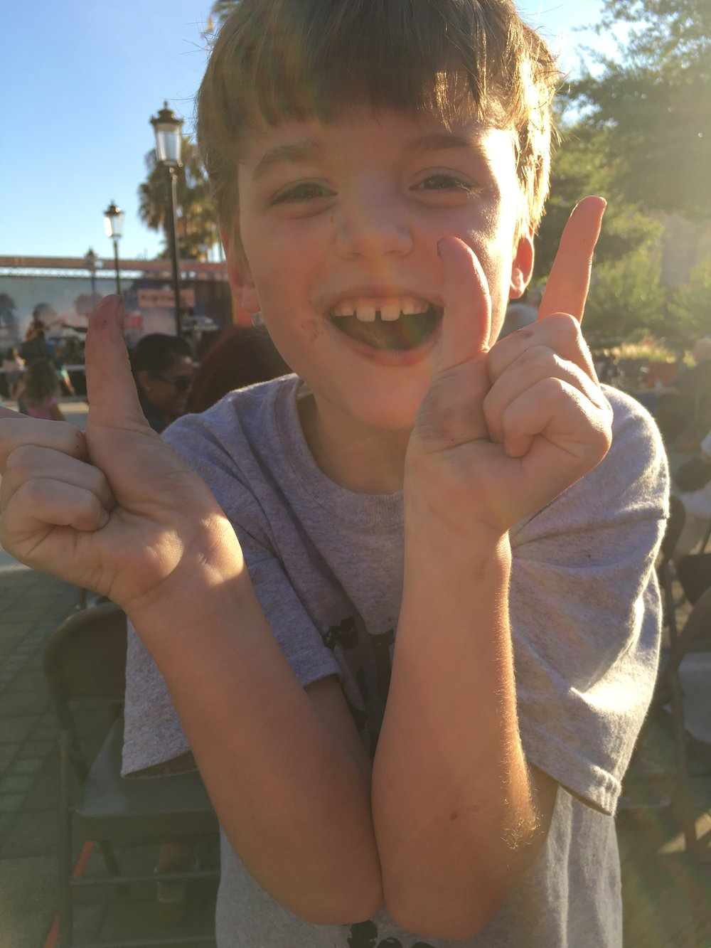 "Jacob shows his ""22"" fingers, inspired by Taylor Swift's hit song!"