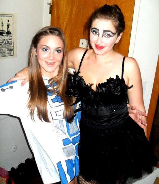 Hannah as R2D2 & me as Black Swan