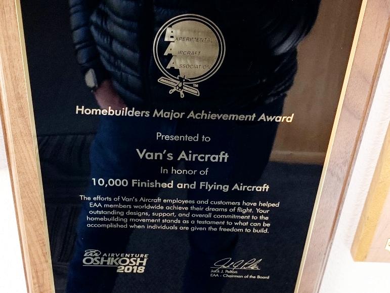 10,000 flying aircraft!!!