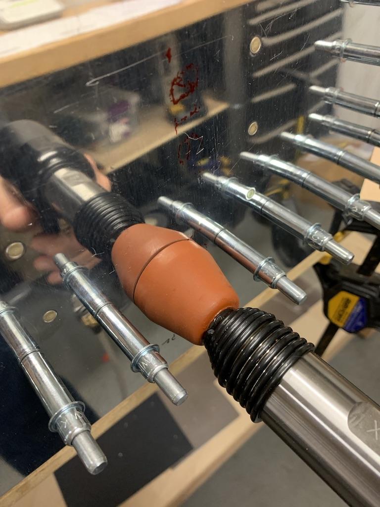 Flush rivet skins to spar