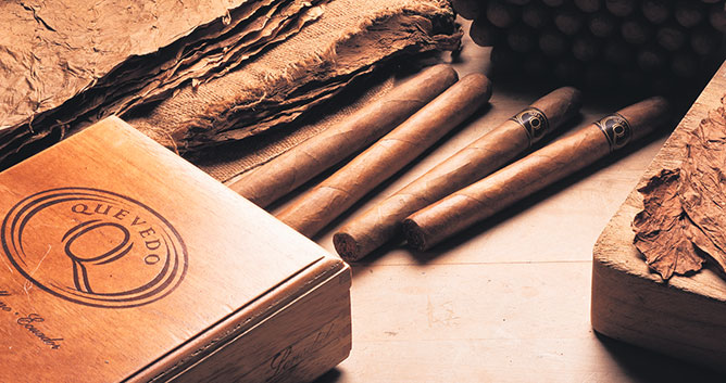 Quevedo_cigar_packaging.jpg