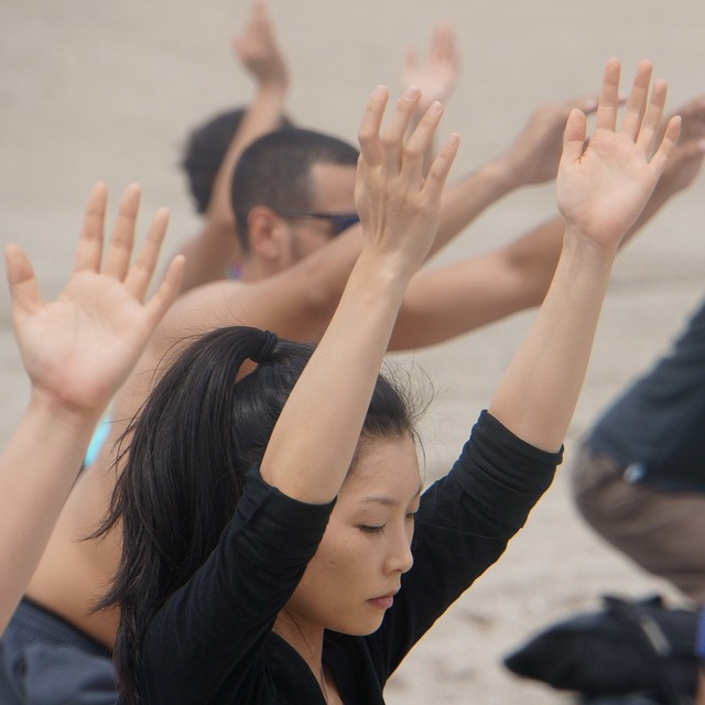 _outdoorfest__OFNYC15__rockawaybeach___rockaway__yogaonbeach__yoga__meditation_by_trustknapp.jpg