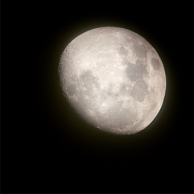 _outdoorfest_Campout_under_this__moon_last_night._I_am_amazed_at_the_detail_I_could_see_through_the_telescope_-_absolutely_breathtaking.__ofnyc15__TripPixApp_by_mollierae_k.jpg