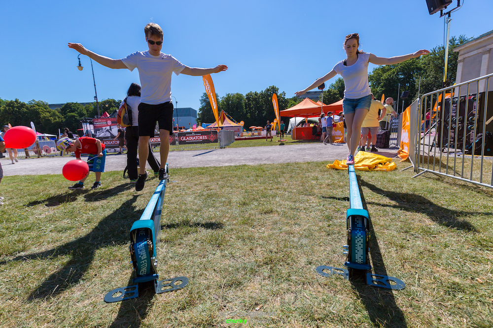 Practicing on The Slackrack, a 10ft long and 30cm high, free standing slackline structure