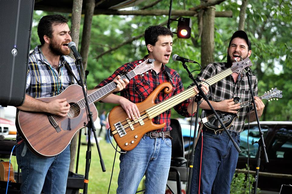 We're excited to have the Mead Mountain Resonators for our inaugural OutdoorFest Upstate!