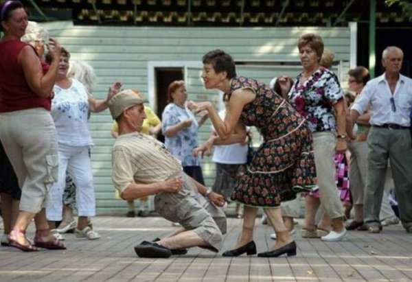 Image of: Youtube Hilarious These Old People Danced In Manner More Commonly Associated With Young People Two Towns Over Two Towns Over Hilarious These Old People Danced In Manner More Commonly
