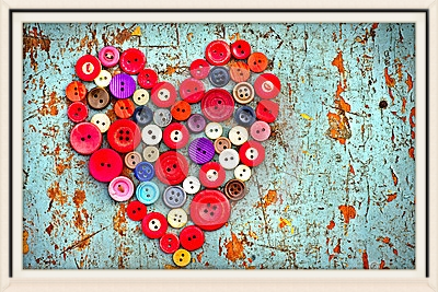 red-heart-vintage-buttons-26063065.jpg